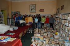 """Studenții de la Sport au donat cărți în campania """"Ieșeni pentru ieșeni"""""""