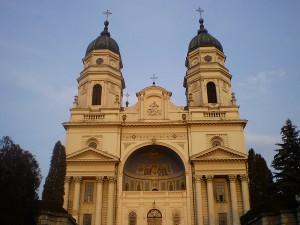 800px-Iaşi_,Catedrala_Metropolitană_Ortodoxă