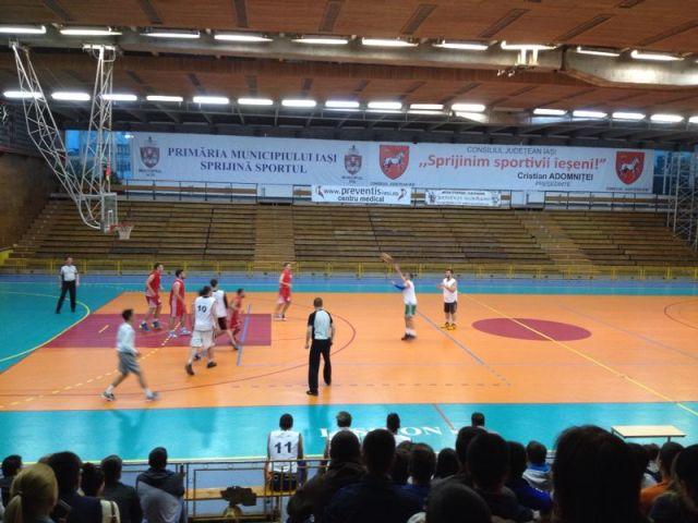Echipa de baschet masculin a UAIC a câștigat finala etapei pe centrul universitar Iași