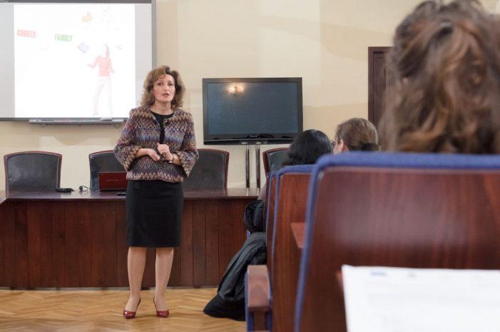 """""""Considerați facultatea primul vostru job"""" – managerul Medicover Iași despre carieră"""