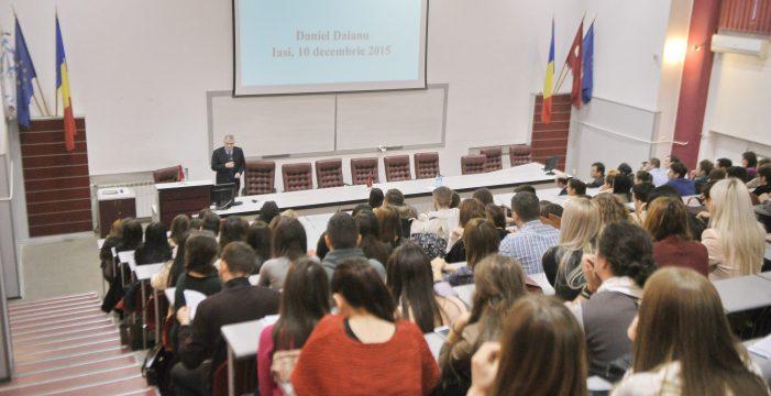 Daniel Dăianu a conferențiat la UAIC