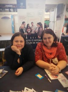 La Târgul de Cariere te întâlnești cu Alma Andrei și Irina Șubredu, reprezentanții serviciilor de consiliere în carieră UAIC